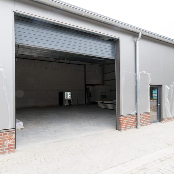 Hallen- und Büroeingang des Firmenquartier Wallenhorst
